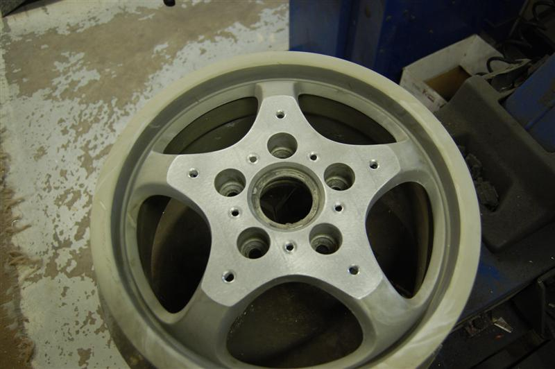 "drilled and machined 16"" Wheel"